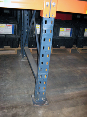 Damage pallet rack upright