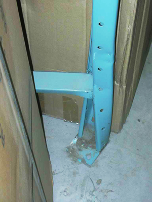 Damage Twisted Column on pallet rack