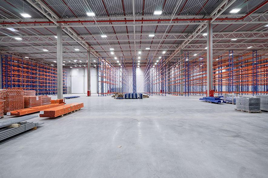 Empty-warehouse-concrete-slab-floor-885