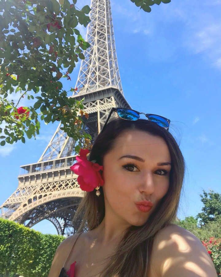 Jess in Paris_1-1